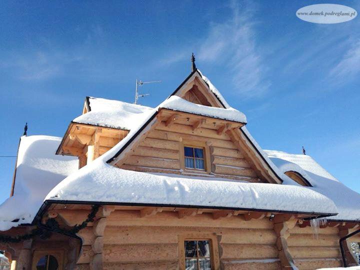 28 grudzień 2012 - zima w domku góralskim, śnieg na dachu