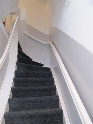 De 25 populairste idee n over behang trappen op pinterest trappen structuur behang en houten - Behang voor trappenhuis ...