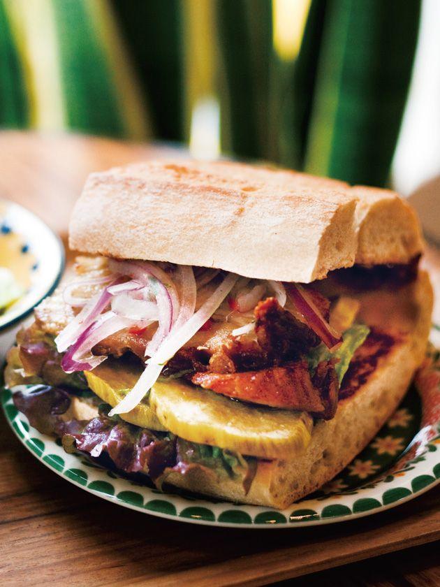 Tokyo Sandwiches : 【SANGUCHERIA KHUCHI/サングチェリア クチ】朝からお肉をガッツリと食べるペルーの国民的モーニングサンド