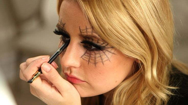 "Need Costume Inspiration? Grab Your Eyeliner, and Voilà!: If you're lacking Halloween inspiration or don't have the time to pull together a costume, we have a look that will get heads turning at any party you attend: the ""Webby Woman."""