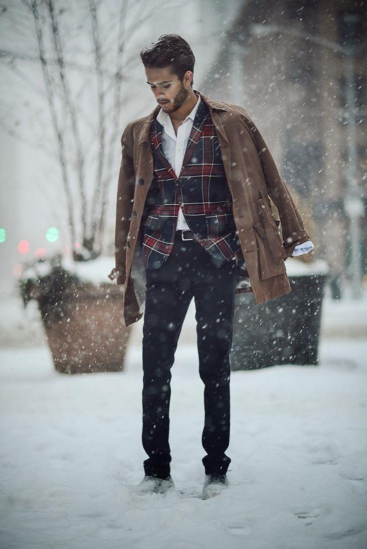 Great plaid jacket for the holidays http://iamgalla.com/2014/02/splendor/