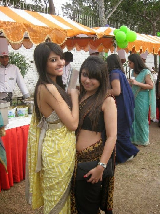 Local Indian College Girls In Saree Hot Styles Photos -4732