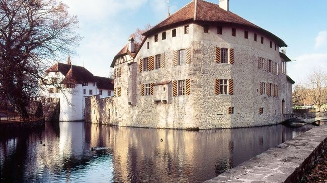 Museum Aargau – experience history where it took place - The museum includes the castles of Lenzburg, Wildegg, Hallwyl, Habsburg, the monastery of Königsfelden as well as as the Legionnaire's Path.