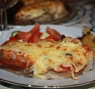 3 отметок «Нравится», 1 комментариев — 🍰🍩🍗🍕Простые Рецепты/Кулинария (@povar_bloger) в Instagram: «Мясо в фольге с грибами и помидорами  Очень похоже на мясо по-французски, но я сделала несколько…»