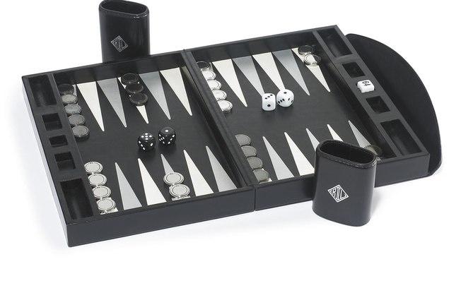 Férias com grife - Objetos de Desejo - Polo Ralph Lauren tem jogo de gamão