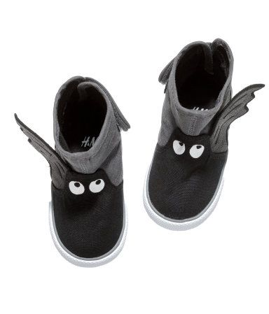 Bat High Tops @thebabypost love it #bambas #zapatillas #sneakers