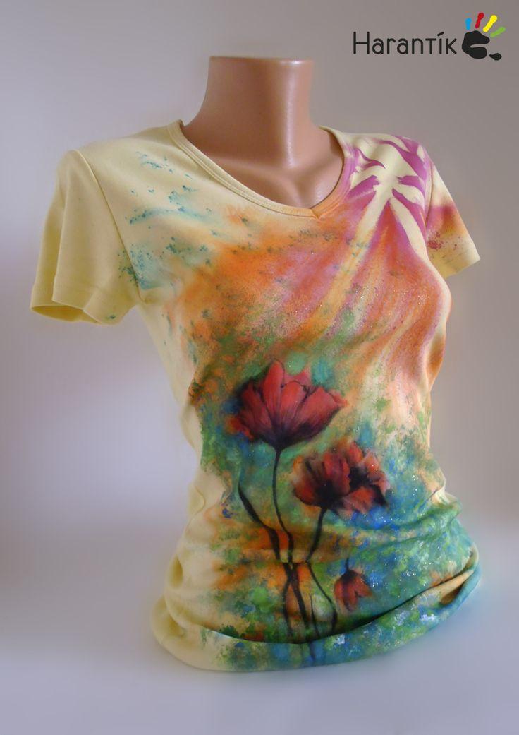 """Dámské+tričko+-+""""KVĚTY+LÉTA""""+/ve+vel.+na+přání+Kvalitní+ručně+malované+dámské+triko+značky+LAMBESTE+ve+žluté+barvě.+Vel.+M,+výstřih+do+V,+100%+bavlna+Míry:+obvod+hrudníku+2x40+cm,+celková+délka+64+cm+Barevnost:+žlutá,+červená,+zelená,+černá,+oranžová,+třpytky+v+malbě+Návod+na+údržbu+bude+přiložen!+Na+přání+mohu+zhotovit+podobné+v+jiných+velikostech+..."""