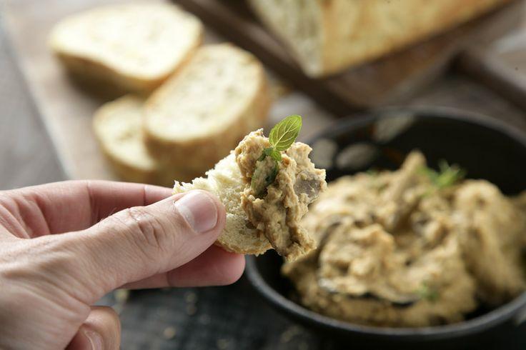 Consejos sobre cómo hacer hummus casero, con posibilidades de varias legumbres y trucos para que quede perfecto. Jumping de hummus, ¡lánzate a hacerlo!
