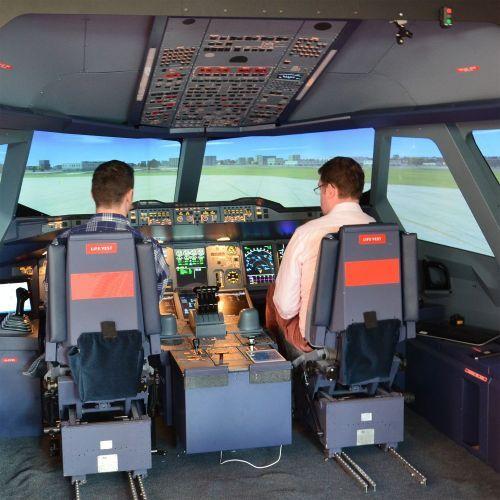 Simulateur de vol dans un cockpit d'Airbus A380 (1h30)