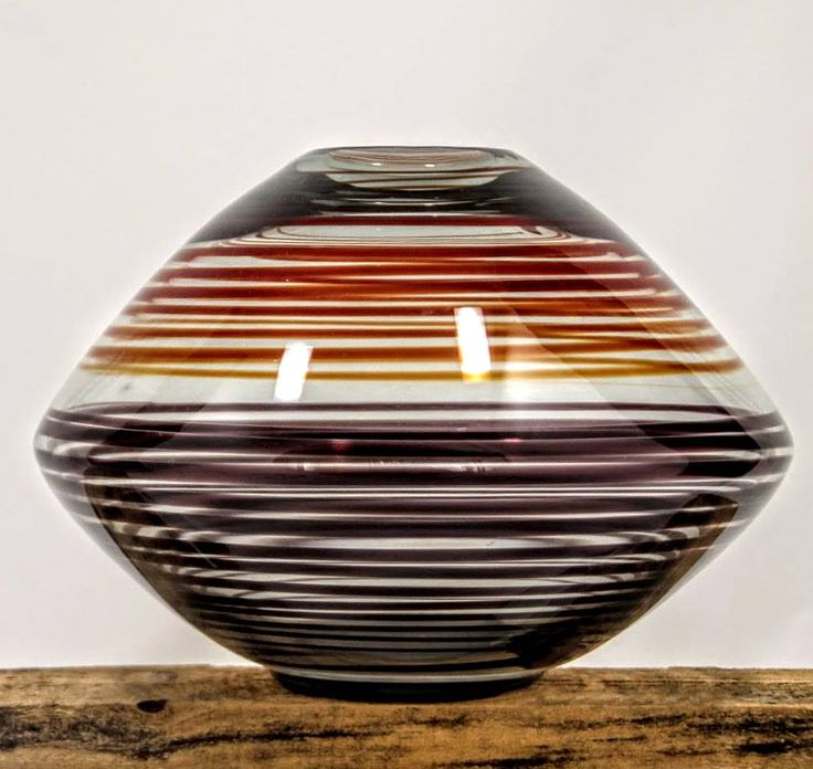 "PER LÜTKEN 100 YEARS: ""Thread"" Jar with red and violet lines Height: 16.0 cm. Diameter: 23,00 cm. Made in 1962 at Holmegaard – Seebach collection. Poto: B. Berg"