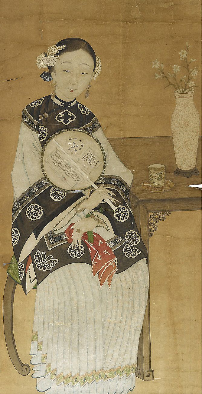 Palace lady with fan. Qing dynasty hanging scroll. Ink and colour on paper, dated to 1702-1762