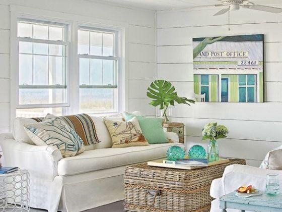 Вагонка, окрашенная в белый цвет, выглядит очень нарядно и прекрасно подходит для любого стиля и интерьера.