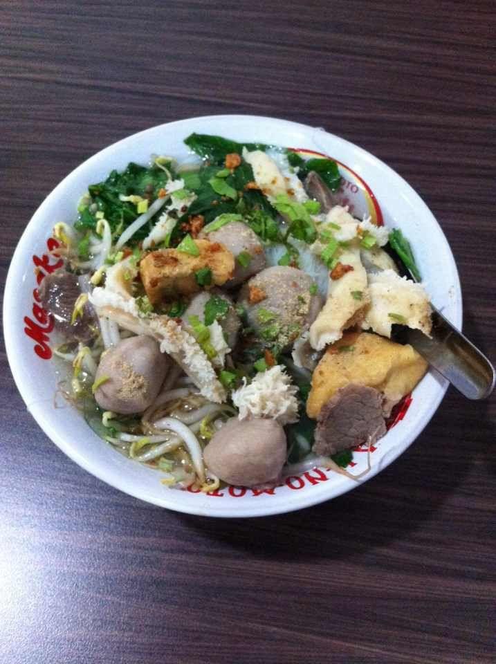 Bihun Bakso Komplit. Delicious, Tasty and Halal!