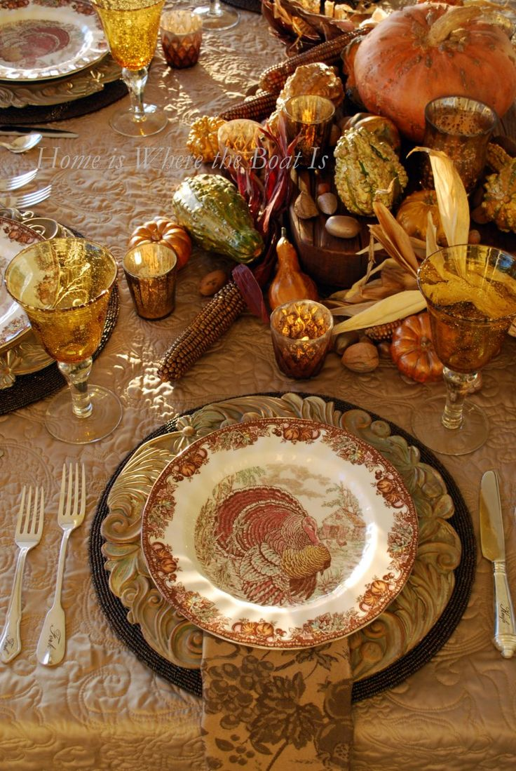 Giving thanks table and easy diy for gilding gourds for Easy table settings for thanksgiving