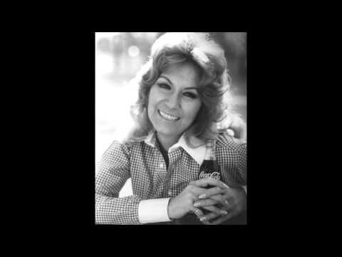 ▶ Dottie West - Here Comes My Baby - YouTube