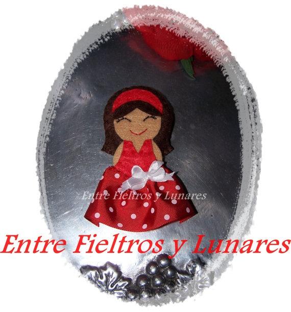 Broche de la colección Miss Lunaritos por LasCositasdeMarian, €12.00