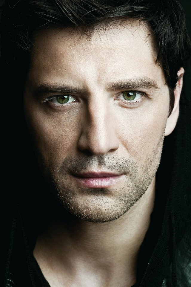 Sakis Rouvas, pop star grego!   Que grego, hein?!