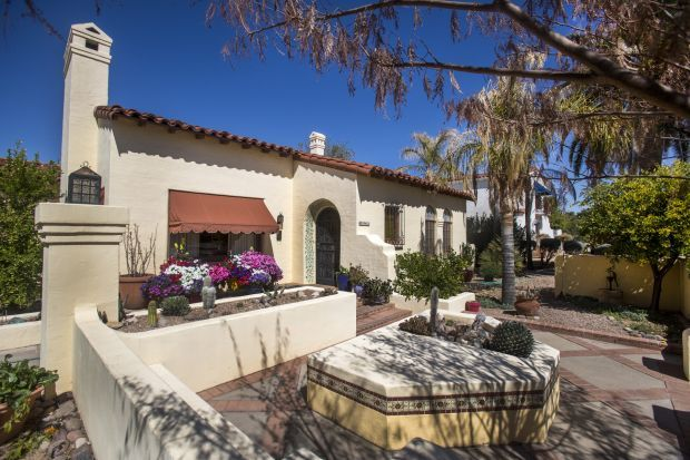 Tucson's historic and walkable Sam Hughes neighborhoodnis described by the Arizona Daily Star.