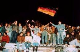 alt=Grupo de alemanes celebran la caída del muro de Berlín. EFE/Archivoalt=Germans celebrate the fall of the Berlin Wall. EFE/Filealt=Grupo de alemanes celebran la caída del muro de Berlín. EFE/Archivoalt=Grupo de alemanes celebran la caída del muro de Berlín. EFE/Archivoalt=Grupo de alemanes celebran la caída del muro de Berlín. EFE/Archivoalt=Grupo de alemanes celebran la caída del muro de Berlín. EFE/Archivo