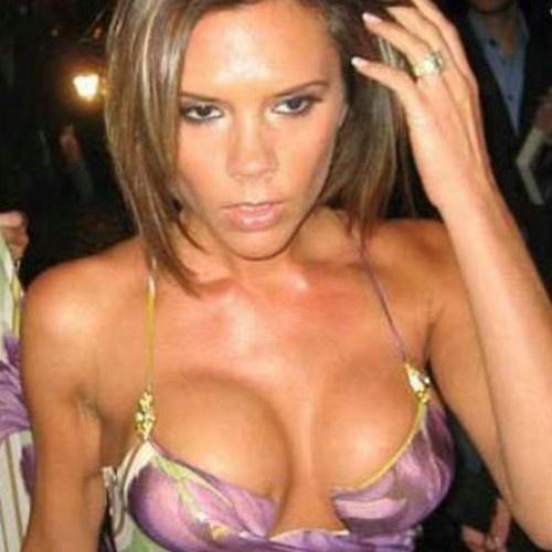 Amigo hot Celebrities boob out love