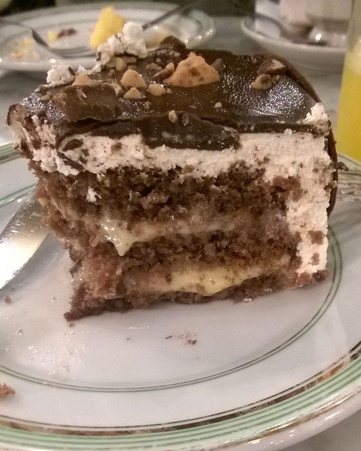 Torta bombom com marshmallow...Essa eu tive o prazer de me lediciar na Confeitaria Colombo.