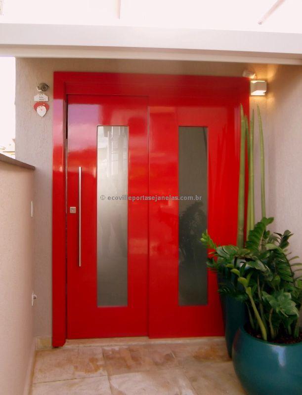 Porta de correr duas folhas com visor de vidro, pintura de laca P.U vermelho brilhante (Sayerlack) - Ecoville Portas Especiais