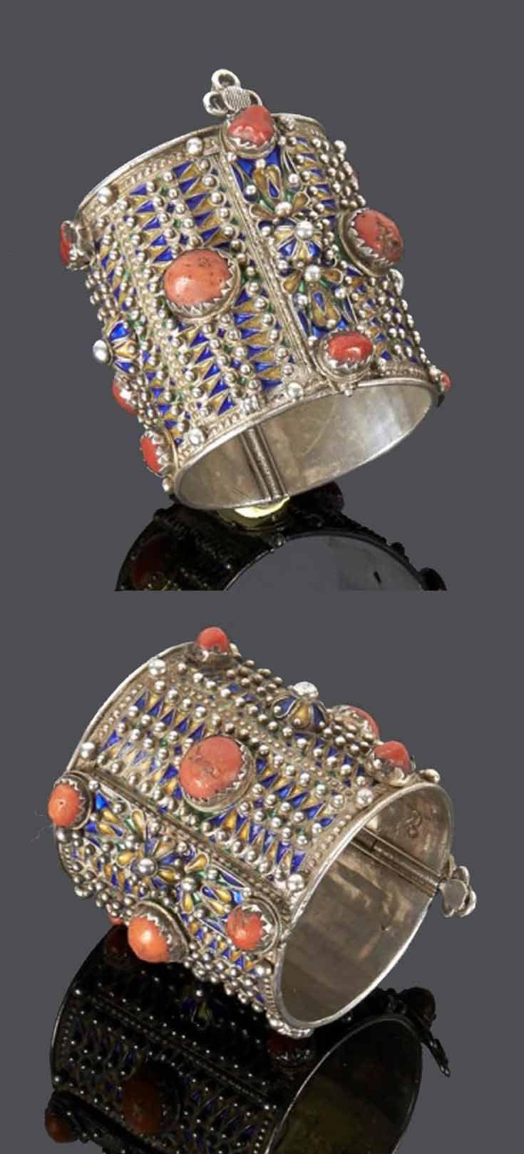 Les 25 meilleures id es de la cat gorie bijoux kabyle sur for Decoration kabyle