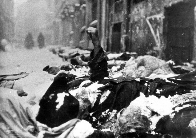 Hungary, Bodies of Jewish victims of the Arrow Cross Party.