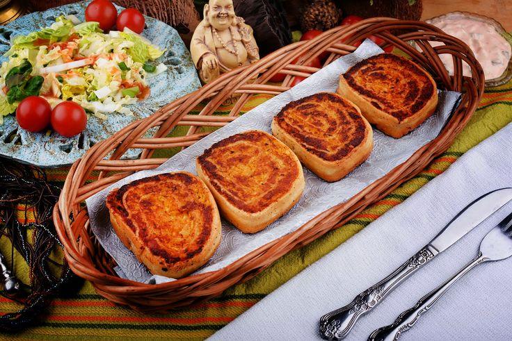 Alu Patra  or potato roulade. We recommend :) Alu patra czyli ziemniaczana rolada.  #indianfood   #alupatra   #photofood