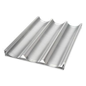 Baguette/French Bread Pan, 3 Moulds - http://cookware.everythingreviews.net/8121/baguettefrench-bread-pan-3-moulds.html