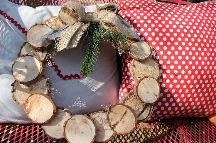 Wreath w/ burlap & pine