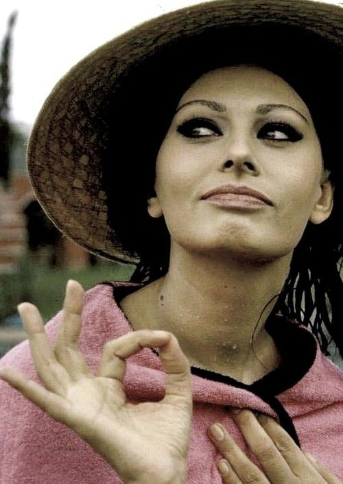 Sophia Loren photographed by Alfred Eisenstaedt at her villa in Italy, 1964.