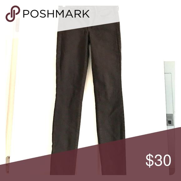 VINCE Brown Skinny jeans Cute skinny jeans in brown. Fabric has some stretch Vince Jeans Skinny