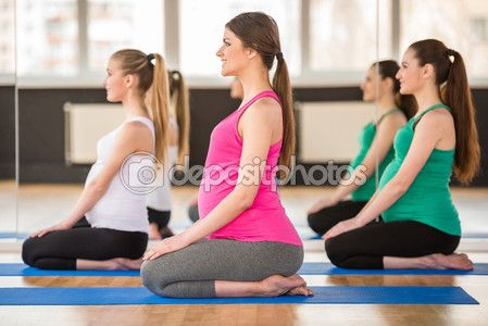Беременные женщины. Йога — стоковое изображение #71520511