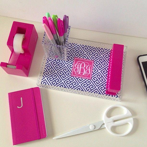 25 best ideas about preppy desk on pinterest dorm desk decor desk supplies and dorm desk - Girly office desk accessories ...