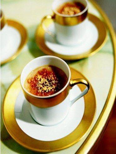 Crème brûlée au foie gras et aux cacahuètes, une recette de dessert ultra douce au palais et originale pour étonner vos invités