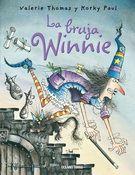 La bruja Winnie vivía en una casa negra. Tenía el piso negro, las butacas negras, una cama negra con sábanas negras y cuadros negros colgados en las...