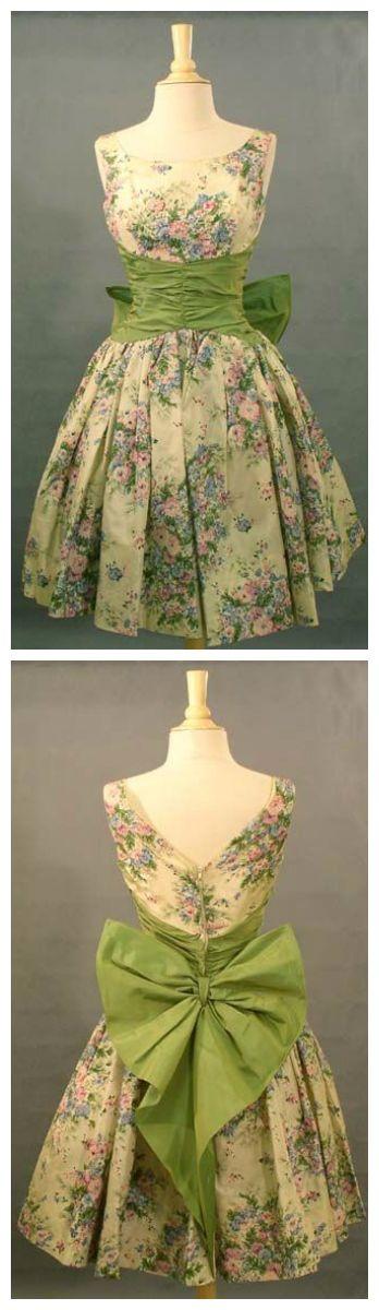 Vintage 1950s floral taffeta dress <3   Vintageous