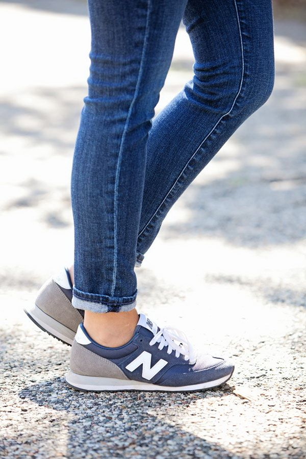 What To Wear With New Balance Trainers and Sneakers - Chic Street Style For Women (12)