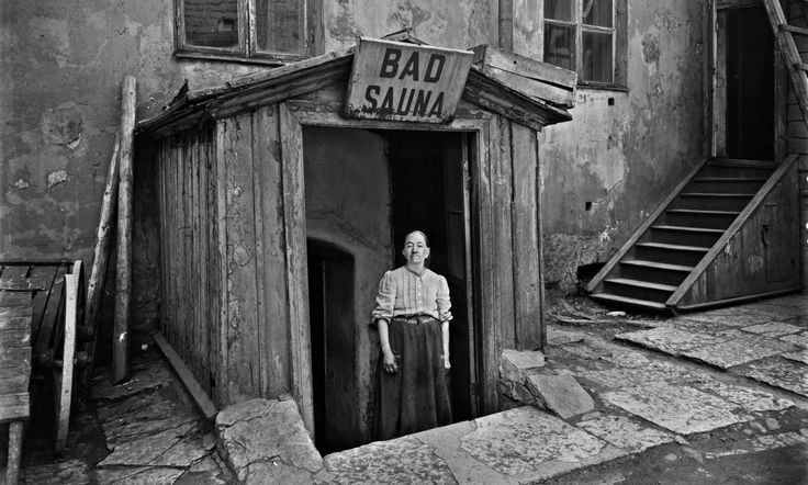 Sauna on Mariankatu, Helsinki, 1913. Photo by Signe Brander.