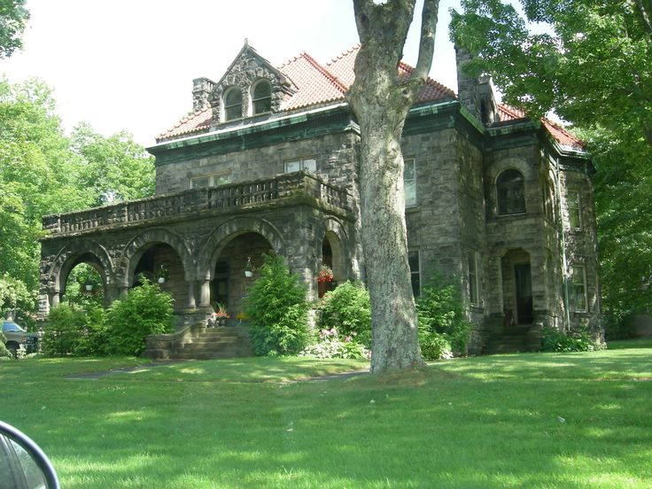 An old stone house in PA, USA.