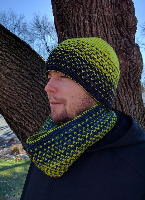 Distortion Double Knit Hat and Cowl pattern by Tania Richter | malabrigo Rios in Azul Profundo and Lettuce