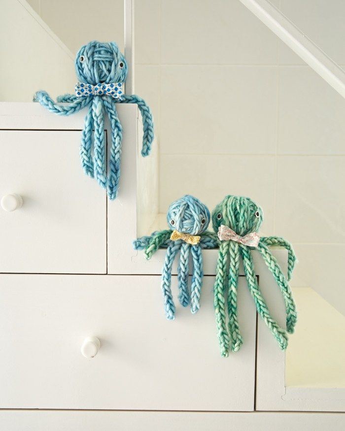 Five Fave Finger Knitting Projects from Knitting Without Needles - Flax & Twine 5. Finger Knit Octopus Family  There are plenty of simple finger knit projects in the book that don't require attached finger knitting. I adore this octopus family above. Perfect for a quick handmade