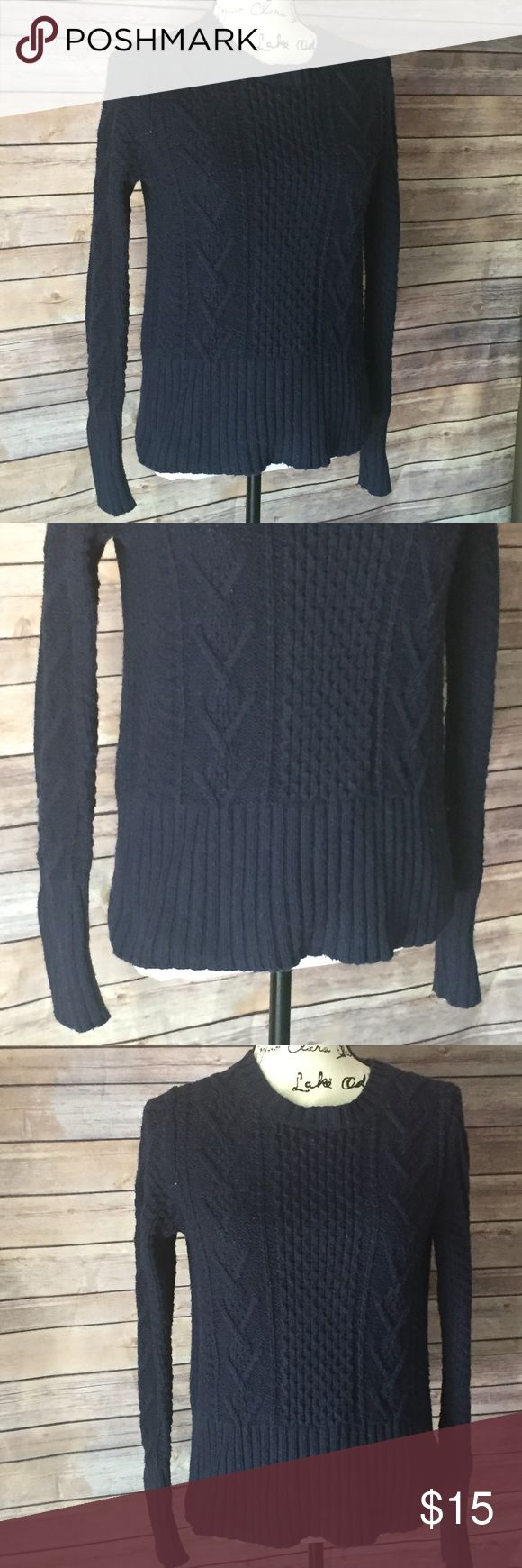 GAP Chunky Knit Sweater Navy blue warm and cozy GAP Chunky Knit Sweater. Size M, VGUC. Sweaters