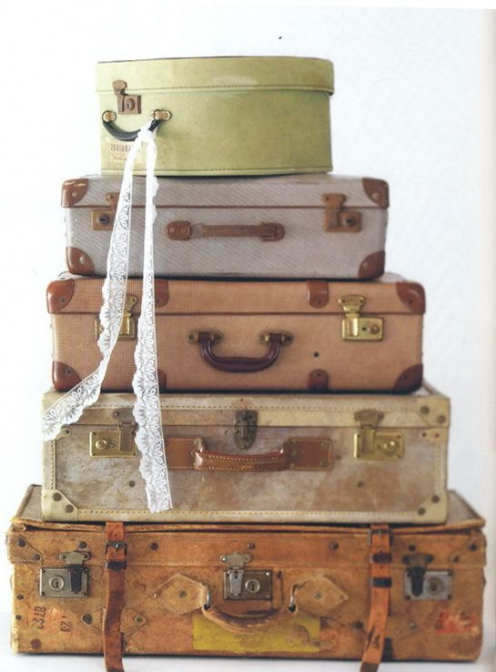 655 best old and pretty luggage images on Pinterest | Vintage ...