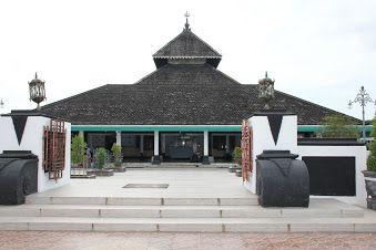 Masjid Agung Demak, Jawa ...
