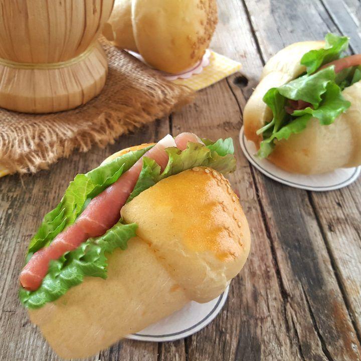 Soft salted baba - Babà salati soffici e ideali per buffet antipasti finger food