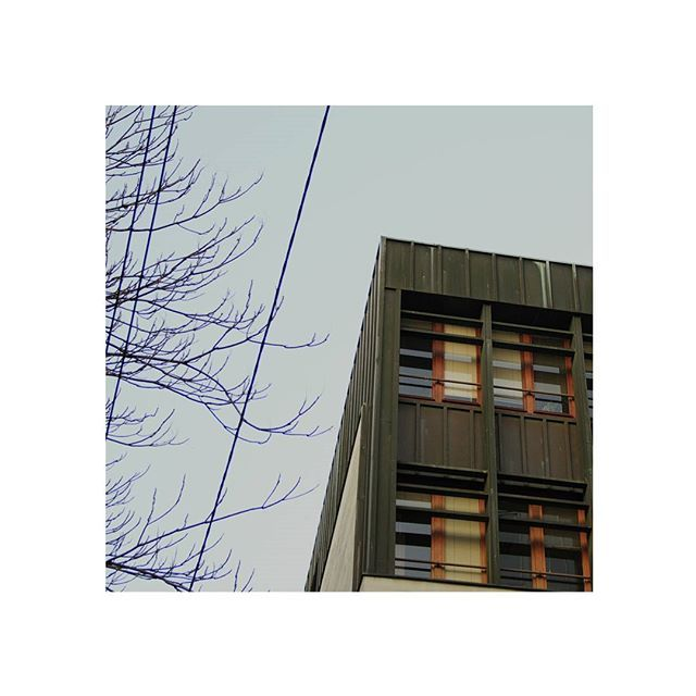 B-my-20. #bologna #bolognacittà #urban #details #dettagli #street #mappa #maps #bolognacentro #minimal #corner #edges #lines #sky #canon