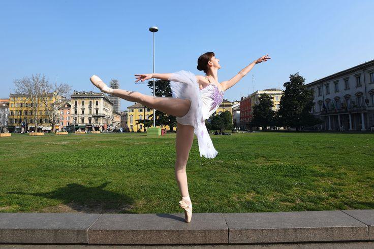 """Chiara Gasparini Prima ballerina della compagnia """"Nuovo Balletto Italiano"""" e insegnante  di danza classica presso la scuola """"Jazz Dance Studio"""" di Manuela Sirocchi."""