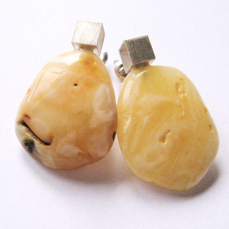Amber  Earrings stud, Sterling Silver 925, nugget, yellow, butterscotch,  Bernsteinohrringe, Silber, Bärnsten, ambre, von DiesAndDas auf Etsy